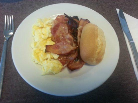 Hotel Cristina: Uova, bacon e pane