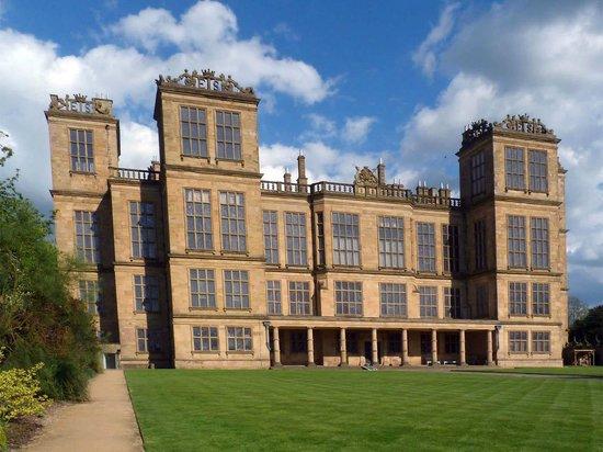 Hardwick Hall and Gardens : Hardwick Hall - front