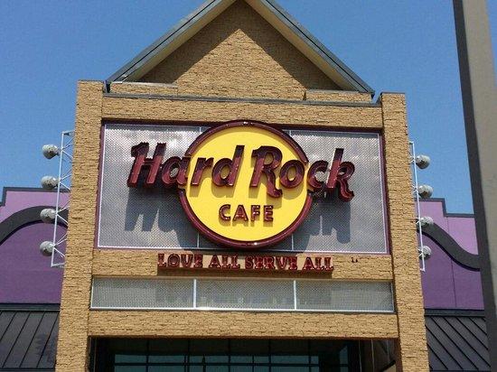 Hard Rock Cafe: Front