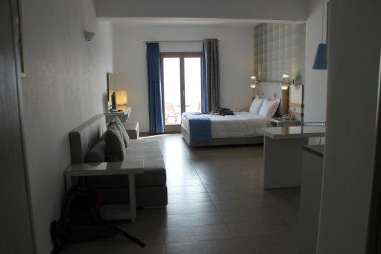Lithos by Spyros & Flora: Room