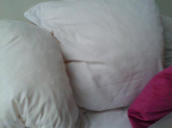 Ibis Styles Amsterdam Amstel: pillows