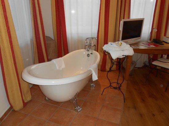 Hotel Drei Raben: room