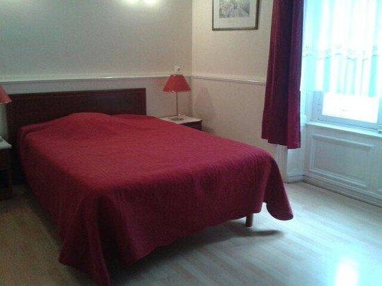 Hotel Du Musee-Gare : La chambre