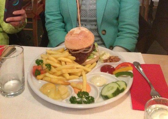 Hotel Restaurant Schützen: hamburger