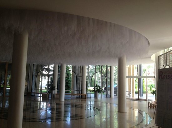DIT Evrika Beach Club Hotel : Another one of the lobby!