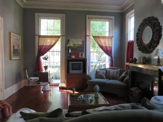 Bed & Breakfast at the Point: Verret Suite Lounge