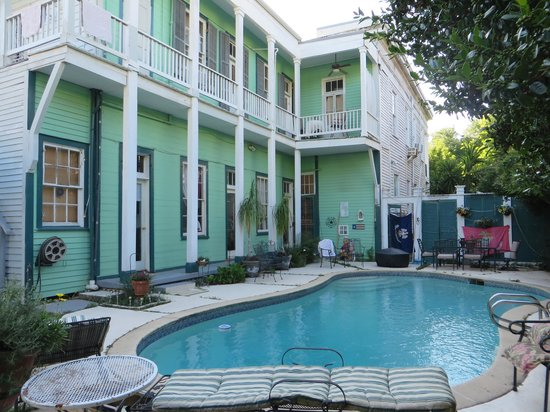 Bed & Breakfast at the Point: Pool Area