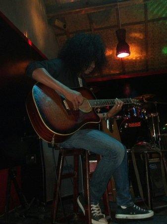 Paradise Bar: Live Acoustic