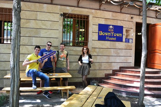 DownTown Hostel: Our Great Multilingual and Friendly Reception - 24h/7d