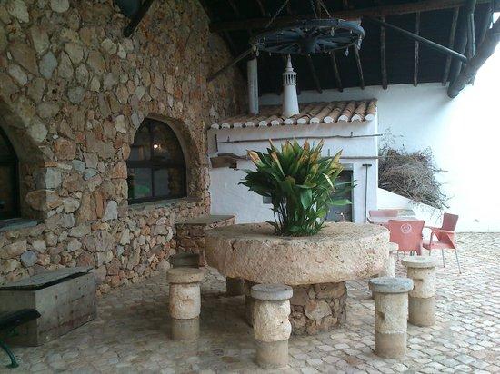Chico Ze: museo etnografico en el jardin del restaurante