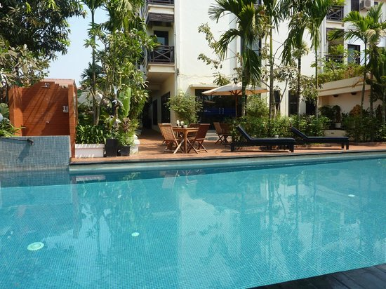 MotherHome Boutique Hotel: Swimming pool