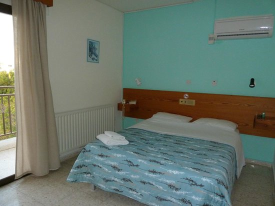Bougainvillea Hotel Apartments: Bedroom