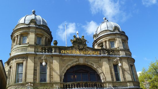 Buxton Museum and Art Gallery: such a lovely building