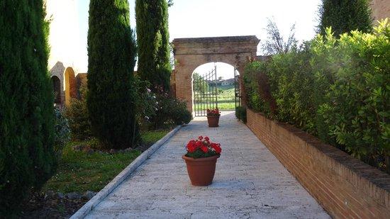 Hotel More Di Cuna: Attractive grounds