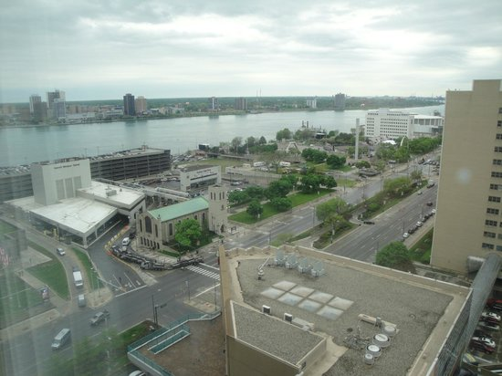 Courtyard Detroit Downtown : view from room