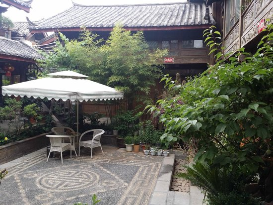 Jishasha Yiliu Hostel: Old Inn