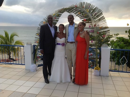 Negril Tree House Resort : The Bride and Groom and family