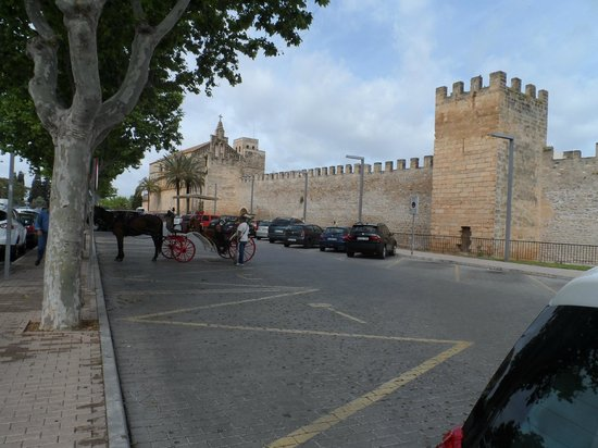Alcudia Old Town: old town alcudia