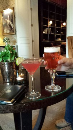 Grand Hotel Casselbergh Bruges: Cosmo and Zot which is brewed locally