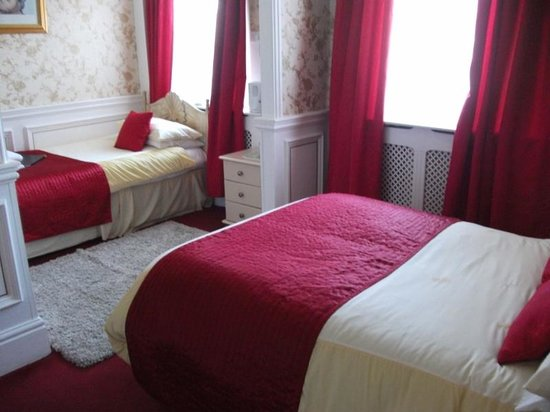 Brema Hotel: Family Ensuite sleeps 3