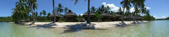Aanzicht Ticao Island Resort vanaf het water