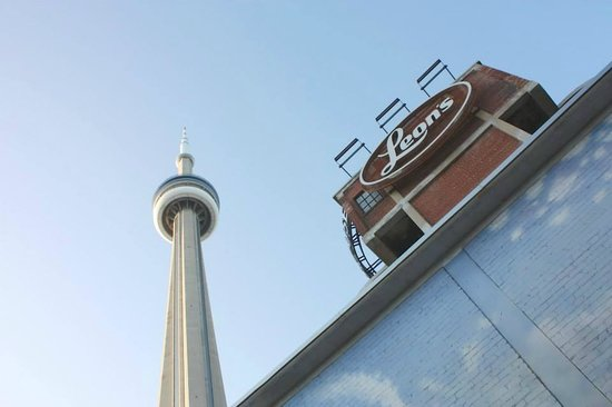 LiveToronto Walking Tours: LiveToronto