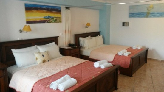 Perissa Bay: Our room