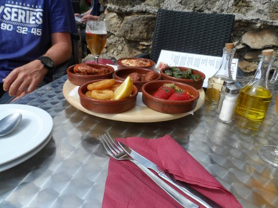 Alcudia Old Town: stunning tapas!