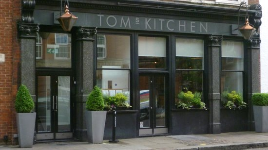Tom's Kitchen: Outside