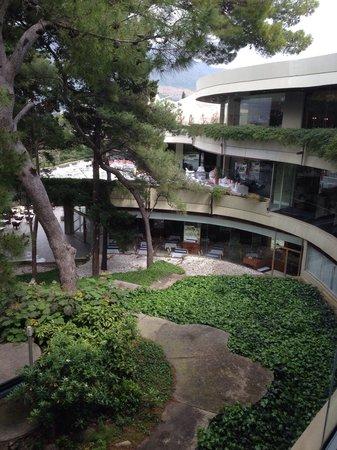 Hotel Croatia Cavtat : Vue sur la terrasse du piano bar
