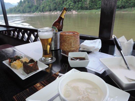 Nava Mekong: Jantar