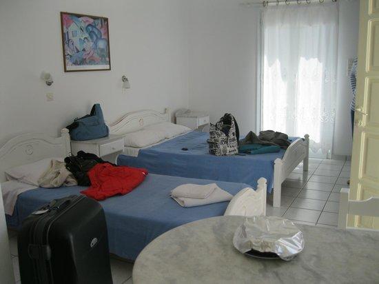 Moschoula Studios & Apartments: espace chambre (studio 1er étage)
