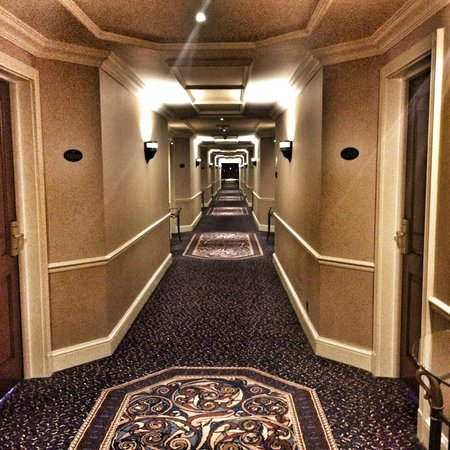 Celtic Manor Resort: Corridors