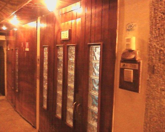 Casa Alianza: No hay un letrero visible en la puerta de ingreso