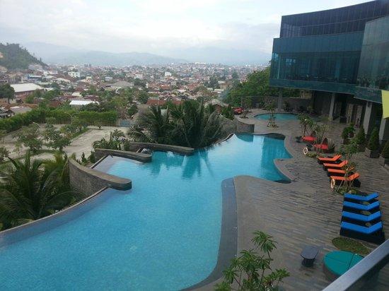 Hotel Novotel Lampung: Swimming pool
