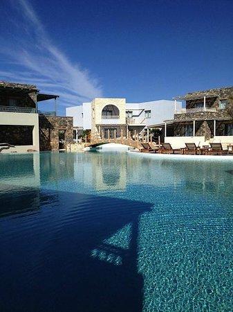 Ostria Resort & Spa : Piscine zen
