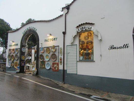 Ceramiche Cosmolena di Margherita di Palma: store front
