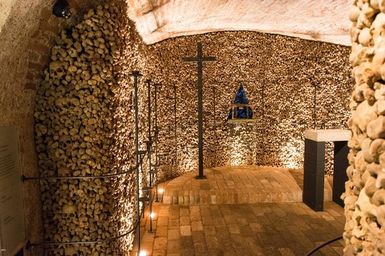 Ossuary underneath the Church of St. James: Wall of bones