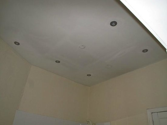 Adam Drysdale House : New lights, ceiling not painted