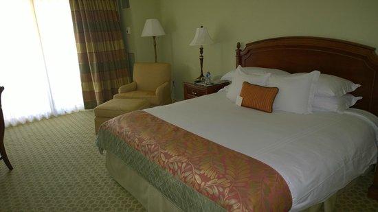 The Ritz-Carlton, Sarasota: King bed