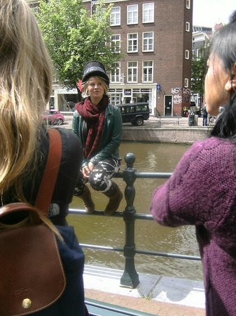 SANDEMANs NEW Europe - Amsterdam: Berber conducting her brilliant tour.