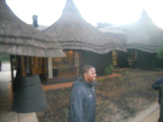 Lion Sands - Tinga Lodge : Outside Lion Sands
