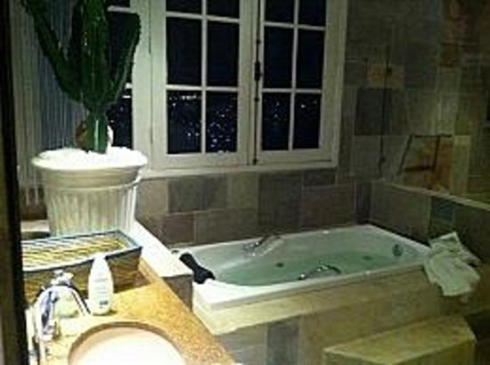 Prestige Property - Da Costa: Banheiro da suite Master