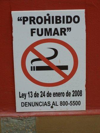 Royal Decameron Beach Resort, Golf & Casino : Fumeurs, ici aucun espoir ...