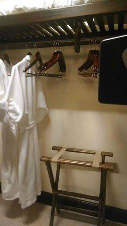 Sandals Negril Beach Resort & Spa: Walk-in closet