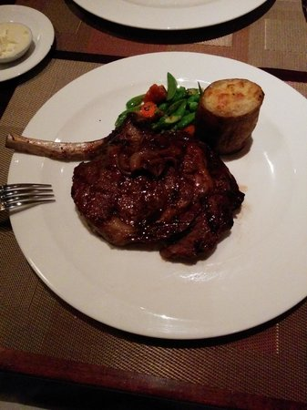 Porterhouse: 3 R D AVE CLUB STEAK
