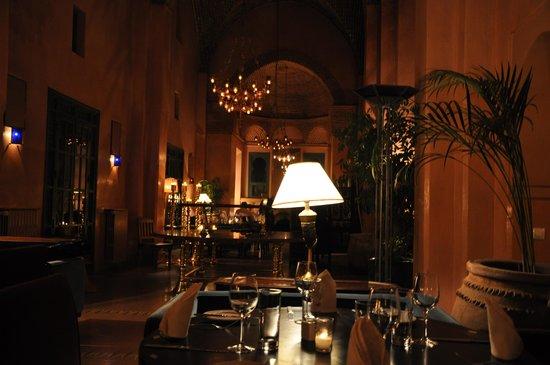 Les Deux Tours: Les 2 Tours Le restaurant