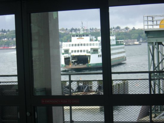 Washington State Ferries : View of the ferry from the ferry
