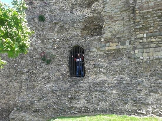 Canterbury Norman Castle: An elivated view!