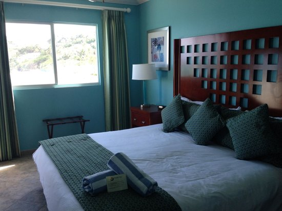 Oyster Bay Beach Resort: 2nd Bedroom of 2-BR suite